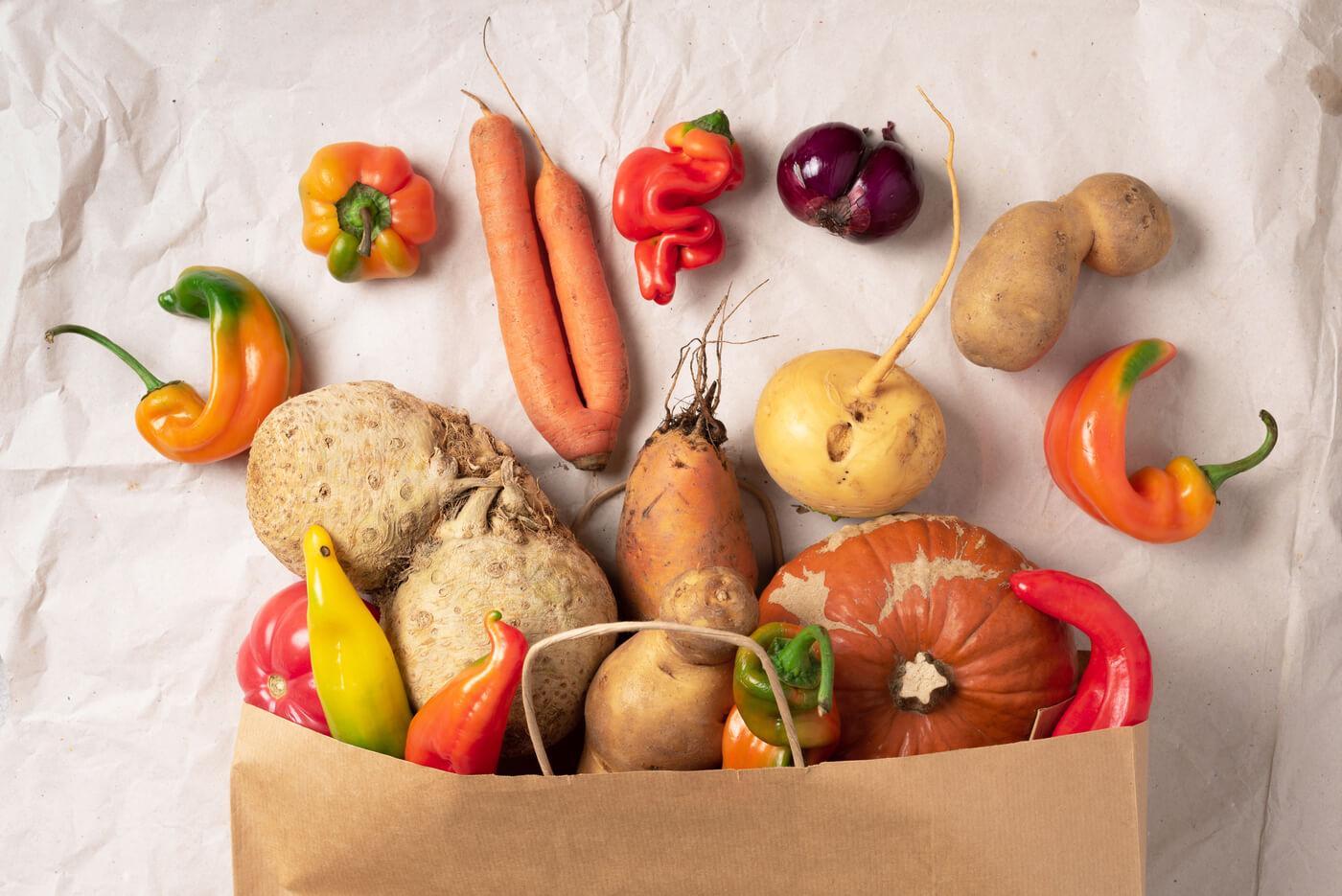 Frutas y verduras imperfectas: ¿llegó ya la hora de no mirar hacia otro lado?